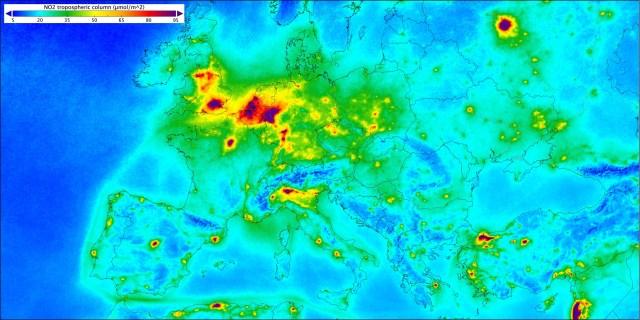Présence du dioxyde d'azote dans l'atmosphère en Europe
