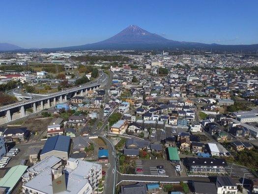 東名富士インター付近で空撮