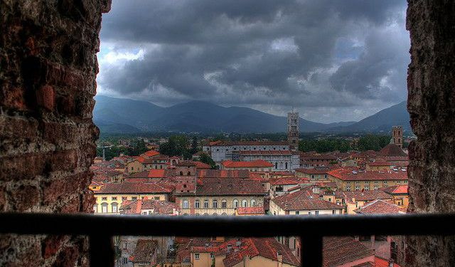 「lucca italy sightseeing」の画像検索結果