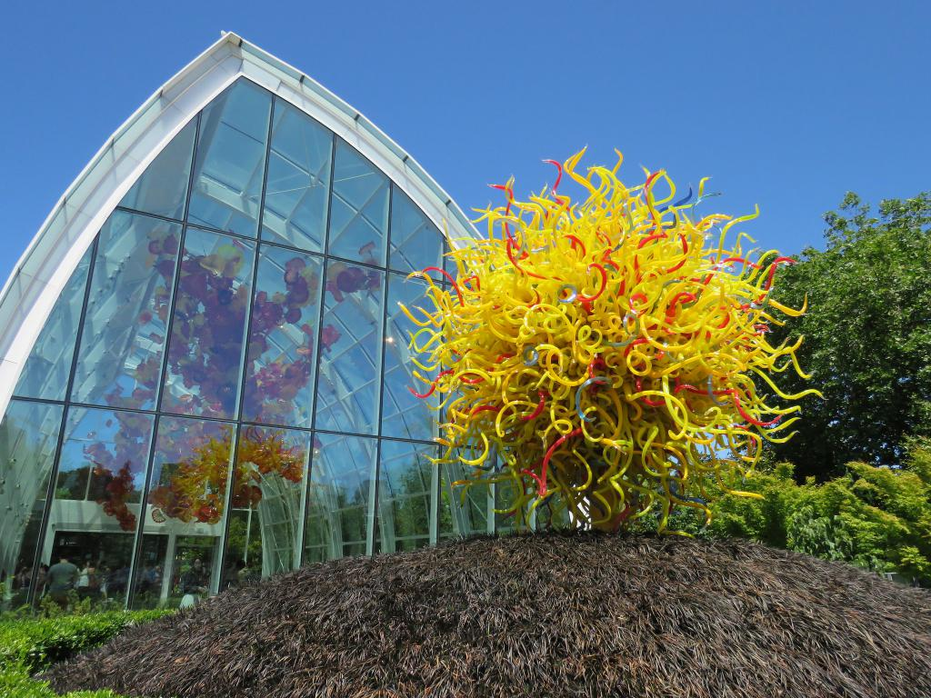 Located below the space needle in downtown seattle, chihuly garden and glass museum has the most gorgeous and mesmerizing glass artwork that. Chihuly Garden And Glass Seattle
