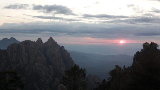Levé du soleil sur le GR20 - Corse