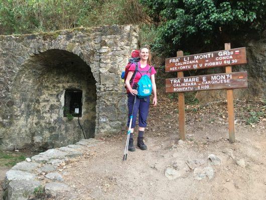Début de l'itinéraire dans le haut du village de Calinzana. Ici commence l'aventure.