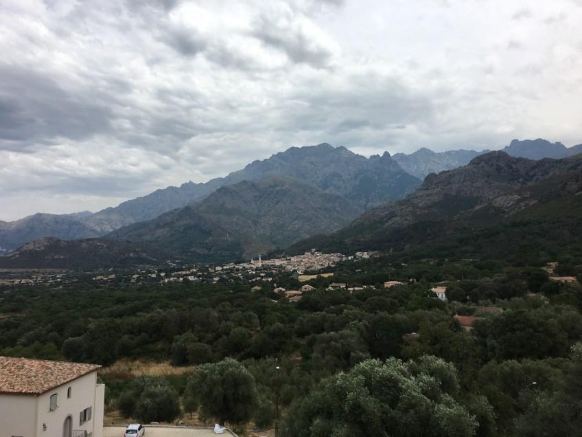 Vu du village de Calenzana en passant par Moncale
