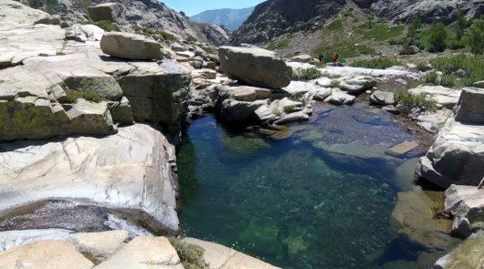 Vasques et ruisseaux - GR20 - Juin