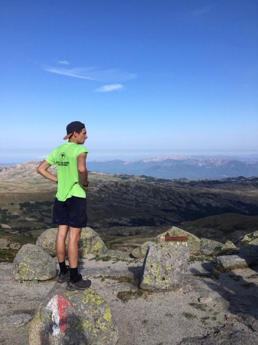 contempler-horizon-montagnes