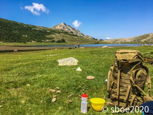 Meine-Wandertasche-Entspannender-Moment-am-Nino-See