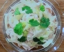 ローラの豚と大根のボリュームサラダ