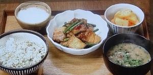 【男子ごはん】なめこの味噌バター汁&即席カクテキのレシピ!
