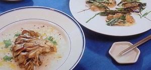 きょうの料理:栗原はるみさんのあさりのリゾットまいたけステーキ添えのレシピ