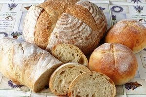 ZIP:人気店パンのお取り寄せ!シェ・リュイのカレーパン、とみたメロンパン、 八天堂クリームパンほか