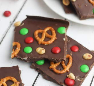 This Easy Christmas Bark recipe is incredibly simple to put together and makes a great holiday treat or gift to give to any family member, neighbor or friend. Find the recipe at gracefullittlehoneybee.com