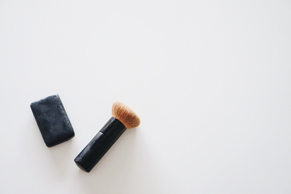 Beautycounter Charcoal Bar review! Wow, this looks amazing!