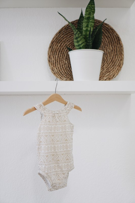Building a capsule wardrobe for your toddler (with Carter's!) www.gracefulmommy.com