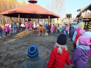 Wycieczki szkolne, Wieś bez tajemnic