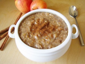 apple-cinnamon-oatmeal-1-620x465