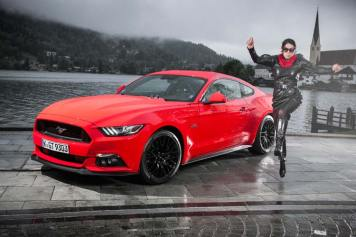 Ford Mustang GT V8 Gracie Opulanza fendi, leather dress 2015 (4)