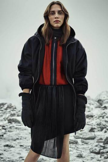Belstaff Womenswear Autumn Winter 2016 Rory Payne Look (4)