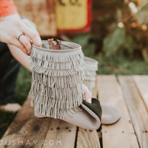 Barefoot Boots Great for Grounding Women