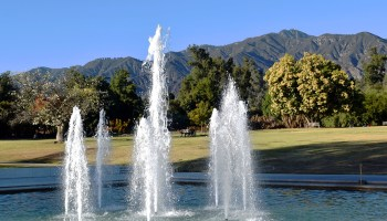 main fountain at the LA Arboretum & Botanic Garden in Arcadia, California.