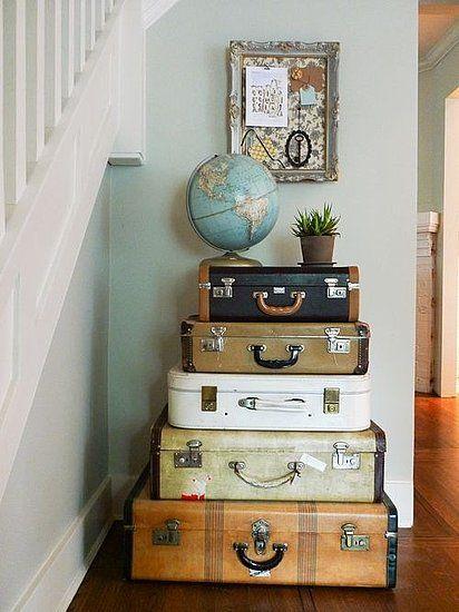 аксесоари куфари в хола