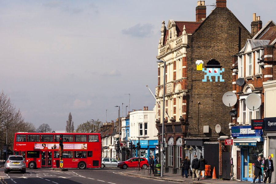 Beer time London Invasion 2016 Photo © Space Invader