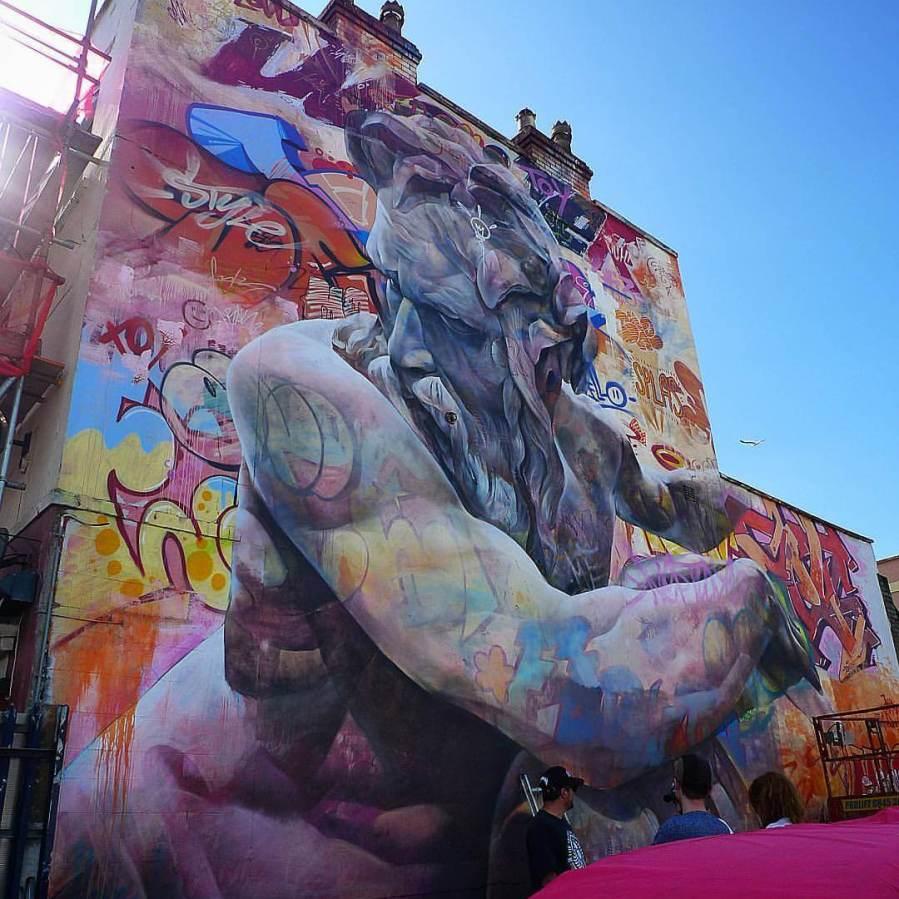 Amazing Graffiti Of Greek Gods On Containers Pics - Beautiful giant murals greek gods pichi avo