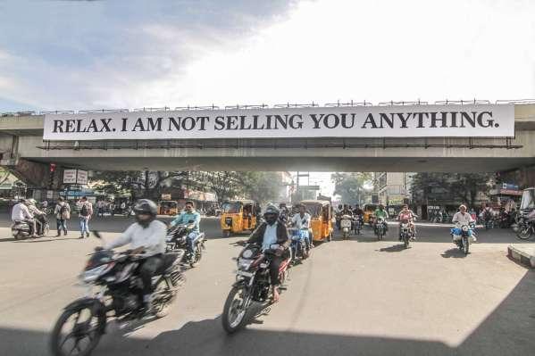 Daku-surprise-street-art-india-Hyderabad-anti-advertising