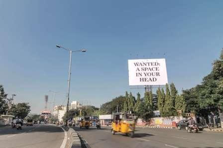 Daku-to-let--street-art-india-Hyderabad-anti-advertising