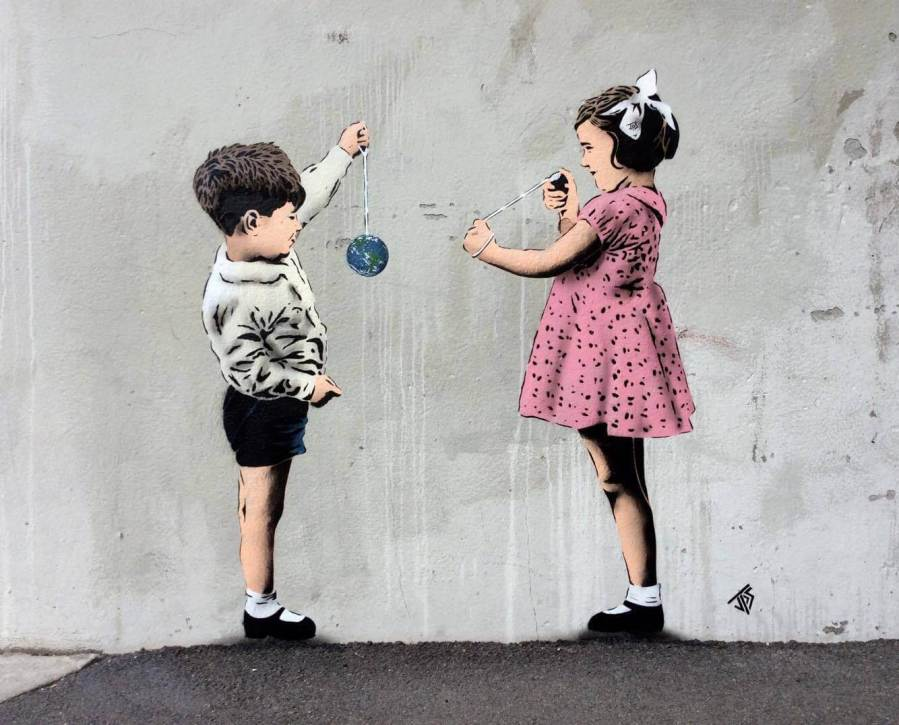 jps-street-art-norway-conker-the-world