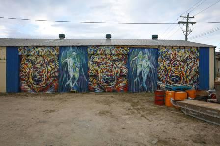 Kelsey Eliasson, Pangeaseed Foundation, Sea Walls: Murals for Oceans Street Art Festival Churchill, 2017. Photo Credit Tré Packard