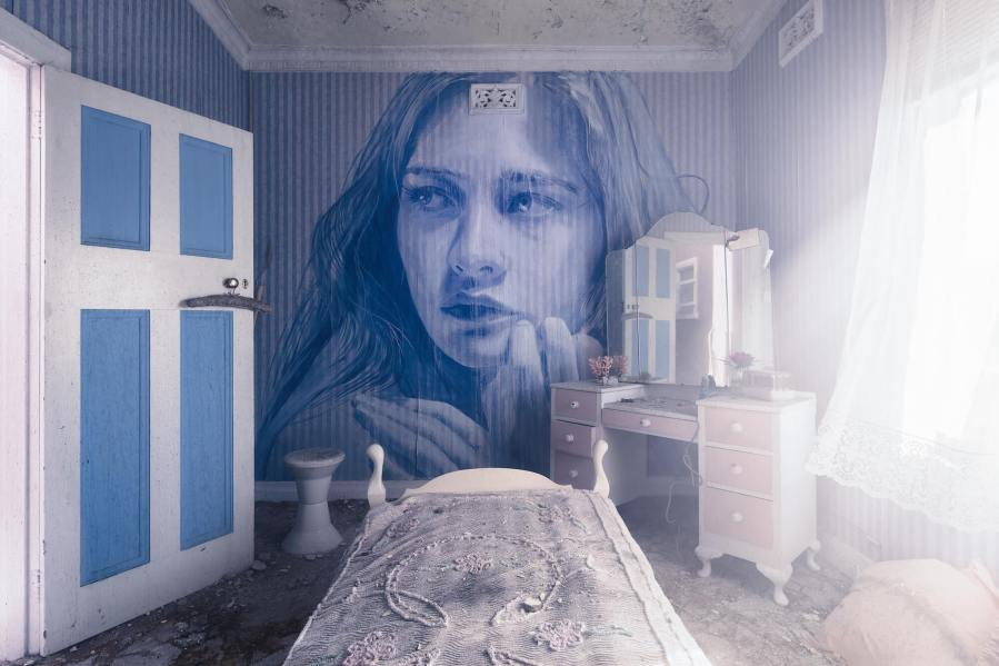 Rone-the-omega-project-street-art-abandoned-house-melbourne-women-Blue-room