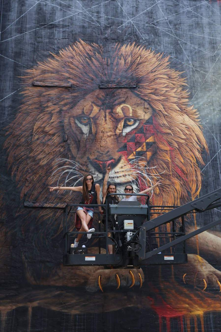 Sonny, Lion Street Art Mural, New York City To the Bone 2017. Photo credit @just_a_spectator