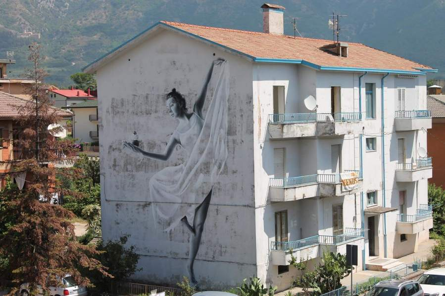 sasha-korban-street-art-festival-in-wall-we-trust-italy-2