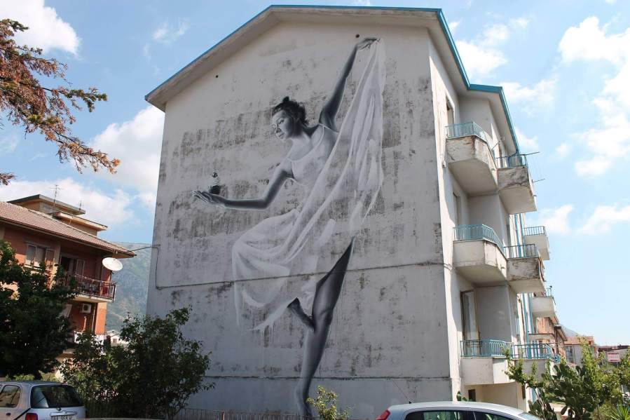 sasha-korban-street-art-festival-in-wall-we-trust-italy-8