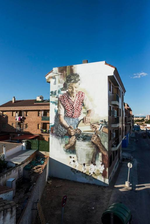 Helen-Bur-Asalto-urban-street-art-festival-Zaragoza-Spain-pc-Marcos-Cebrian-Photography-2