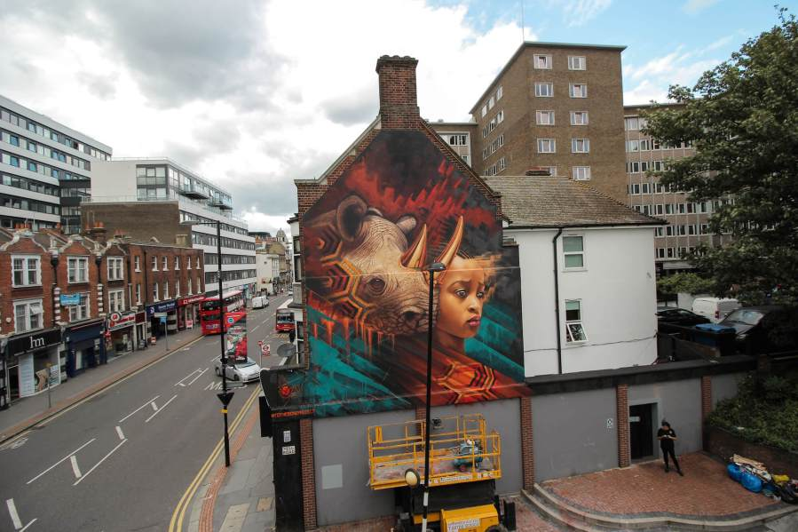 Sonny-street-art-endangered-animals-rhino-london-mural-4