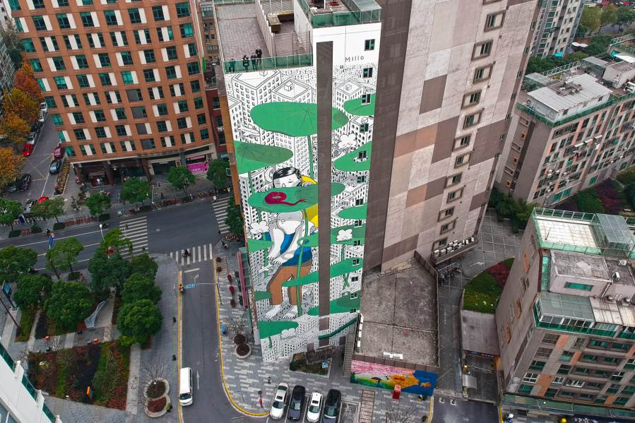 "Millo, Street art Mural "" Twist of Fate"" Shanghai, China 2017. Photo Credit Millo"
