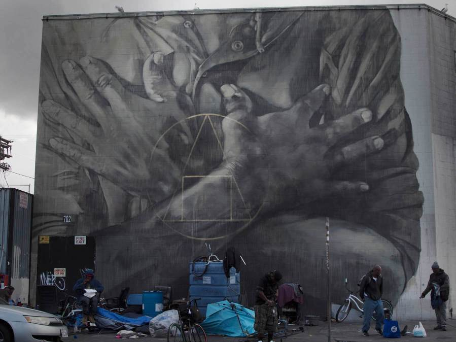 'Populi Suprema Lex Esto', painted on Skid Row, Los Angeles . Photo credit Faith XLVII