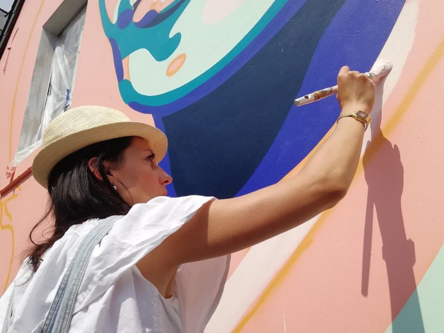 Ihsane-jarfi-Anthea-Missy-mural-Brussels-street-art-lgbtq-fanny-seligmann-3