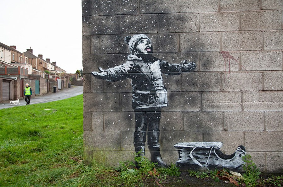 banksy-pollution-merry-christmas-taibach-porttalbot-streetart-01