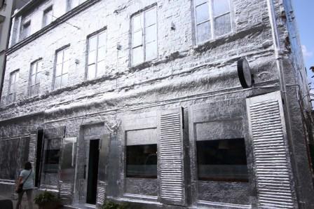 ZABKOWSKA-9-TAKE-OFF-URBAN-ART-FOIL-INSTALLATION-HOUSE-BY-PIOTR-JANOWSKI-9890
