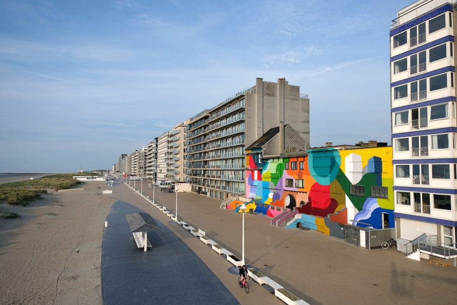 Oli-B-mural-condius-the-crystal-ship-street-art-belgium-5