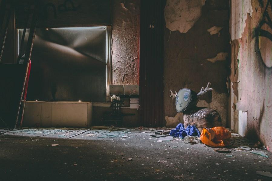 My-Dog-Sighs-Inside-INSTALLATION-Portsmouth-2021-34