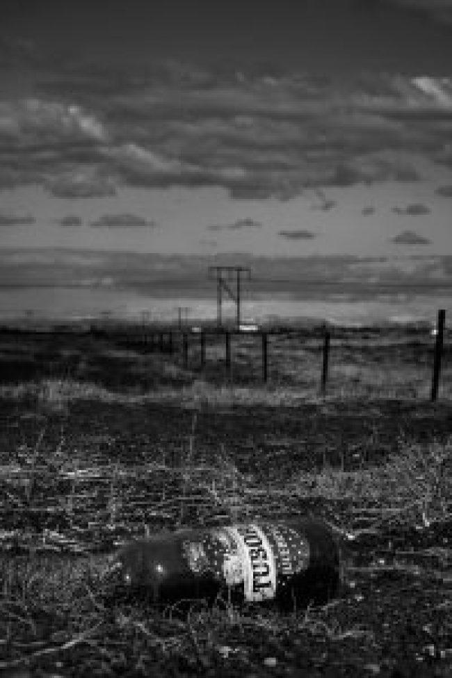 Bierflasche, Island, Wolken, Natur, Umwelt, Müll, Glasflasche, Tuborg, Iceland, waldbrand media, fotografie, foto, photography, stock image, license free