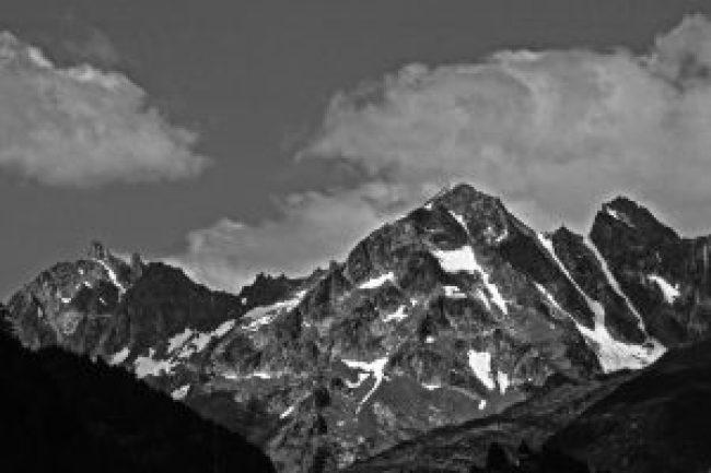 schweiz, berge, mountains, schnee, wolken, tal, license free, lizenzfrei, bilder, fotos, grafiken