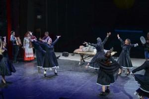 Un-grec-la-Săpânţa-sau-Alegorie-despre-moarte-la-teatru6