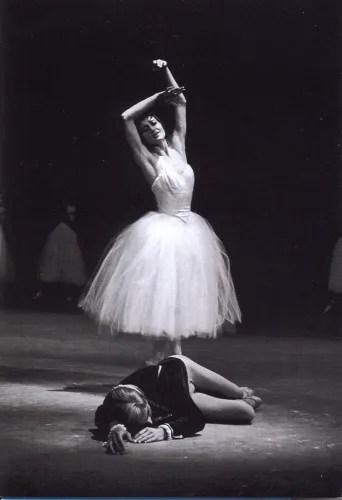 Carla Fracci and Erik Bruhn in Giselle on 4 September 1965 - photo Erio Picagliani/Teatro alla Scala collection.