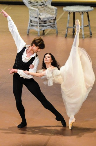 Maria Eichwald and Friedemann Vogel in The Lady of the Camellias