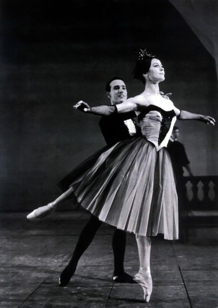 Carla Fracci in Balanchine's Bourrée Fantasque in 1961