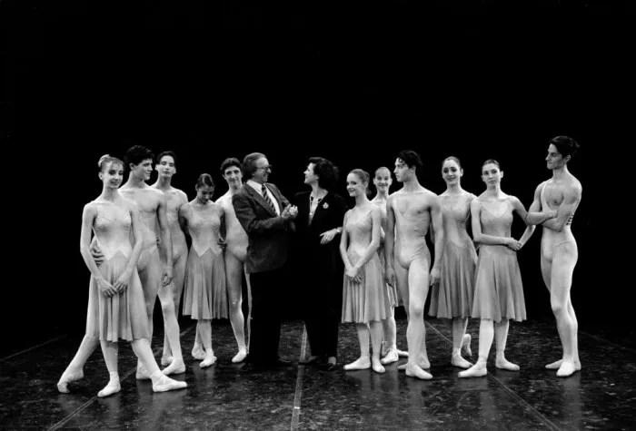 Anna Maria Prina and students of the La Scala Ballet School in 1992 with Robert De Warren